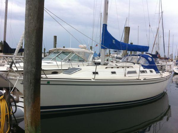 Pearson 33 Port Bow