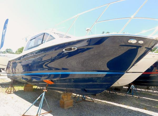 Cutwater C-24 Coupe 2020 Cutwater Boats C-24 Coupe - Hull