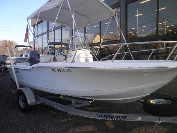 Tidewater Boats 180 Center console
