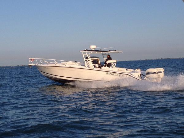 Marlin 350 SF (Center Console)