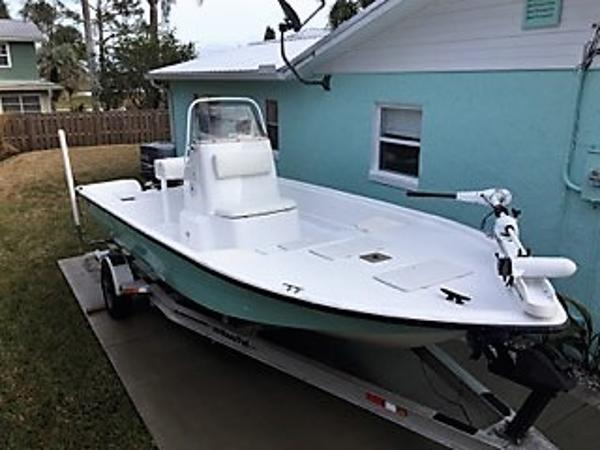 Bay Stealth 2180 Tunnel Hull