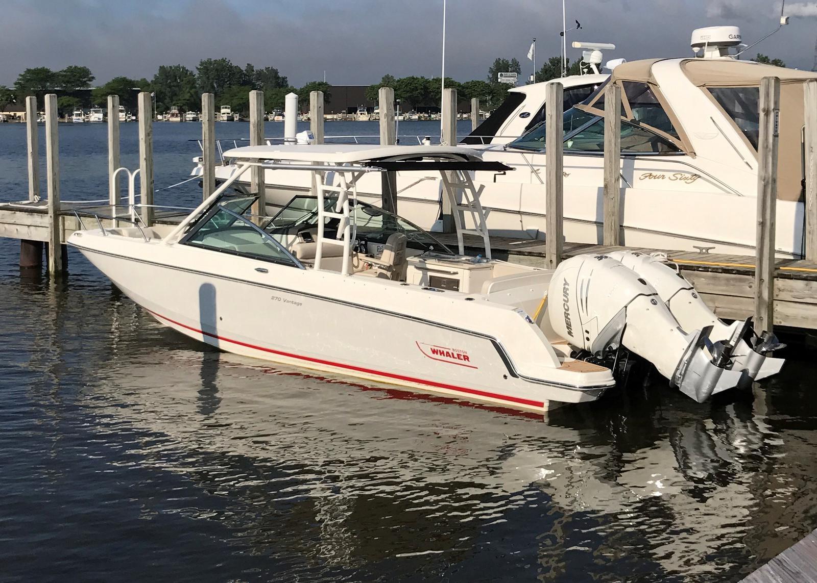 Boston Whaler 270 Vantage Freshwater, Joystick, Loaded!!!