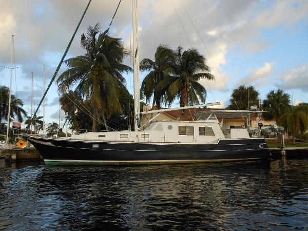 Wellington Pilothouse 57' Wellington profile