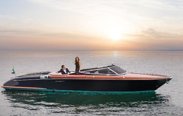 Riva 33' AQUARIVA SUPER 2015 Riva 33 Aquariva - Profile