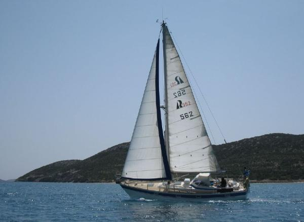 Hallberg-Rassy 352 Hallberg Rassy 352 for sale in Greece by Alvea Yachts