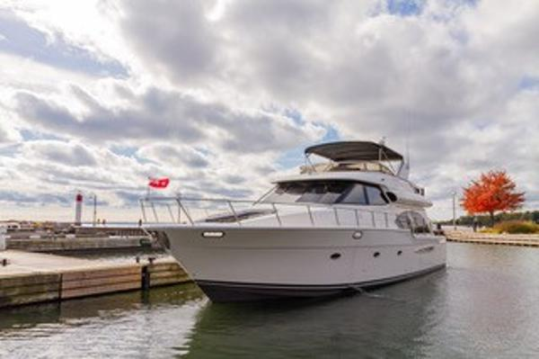 Meridian 580 Pilothouse