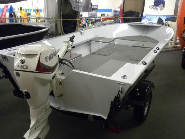 River Hawk Pro V 16 White