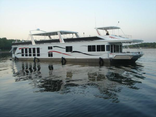 Fantasy Houseboat 100 Wide Body 2006 Fantasy 100 Wide Body