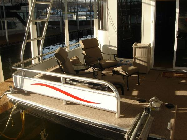 Fantasy 100 Forward Deck Seating to Port