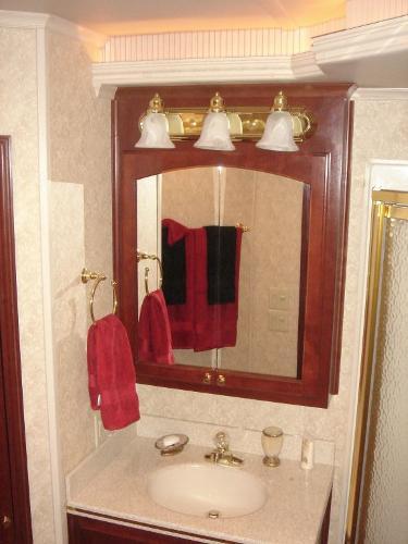 Fantasy 100 VIP Stateroom Vanity