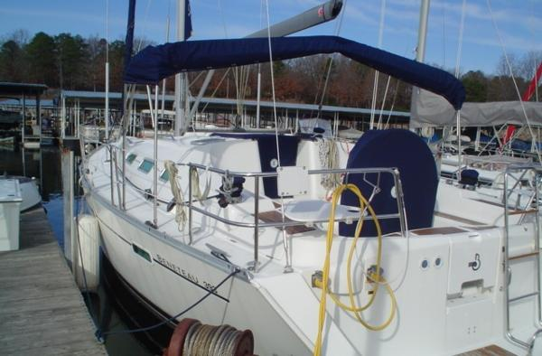 Beneteau 393 Port rear quarter view at dock