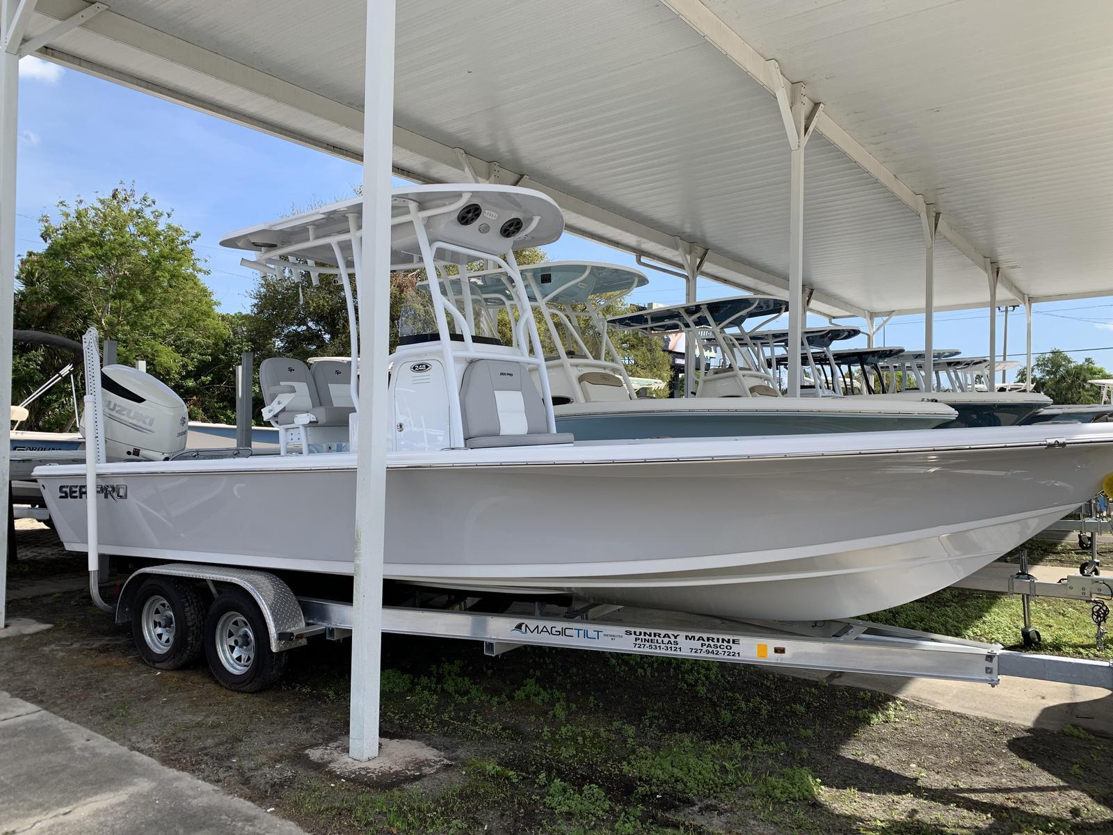 Sea Pro 248 Bay Series