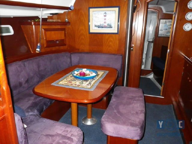 Oceanis-393-Clipper-SailingWorld-Yachtbrokers-4.JPG