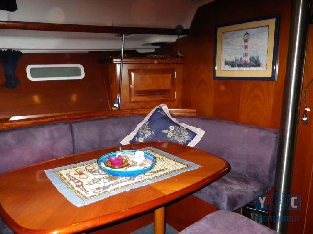 Oceanis-393-Clipper-SailingWorld-Yachtbrokers-9.JPG
