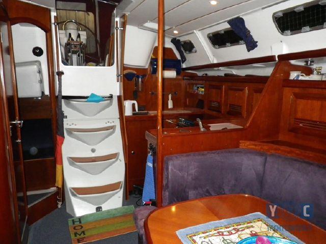 Oceanis-393-Clipper-SailingWorld-Yachtbrokers-6.JPG