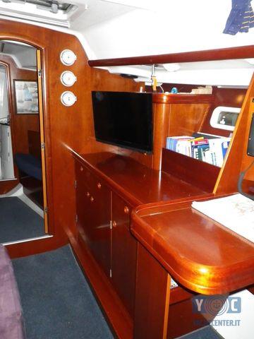 Oceanis-393-Clipper-SailingWorld-Yachtbrokers-11.JPG