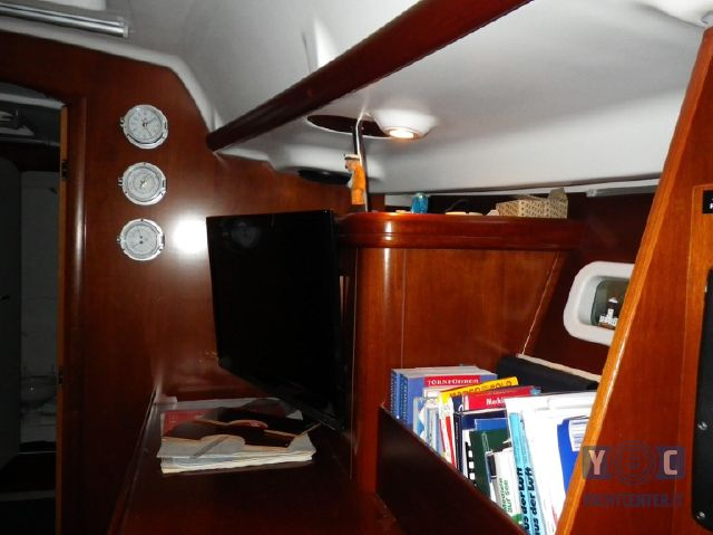 Oceanis-393-Clipper-SailingWorld-Yachtbrokers-10.JPG