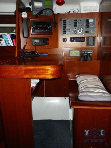 Oceanis-393-Clipper-SailingWorld-Yachtbrokers-13.JPG
