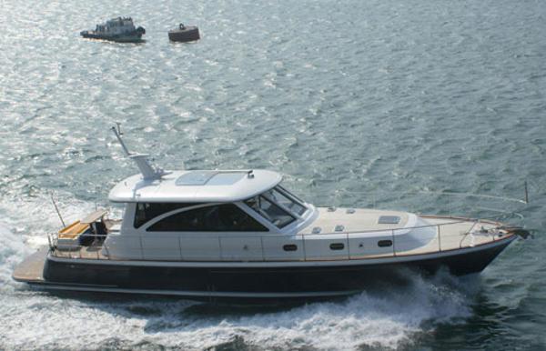 Hunt Yachts 68