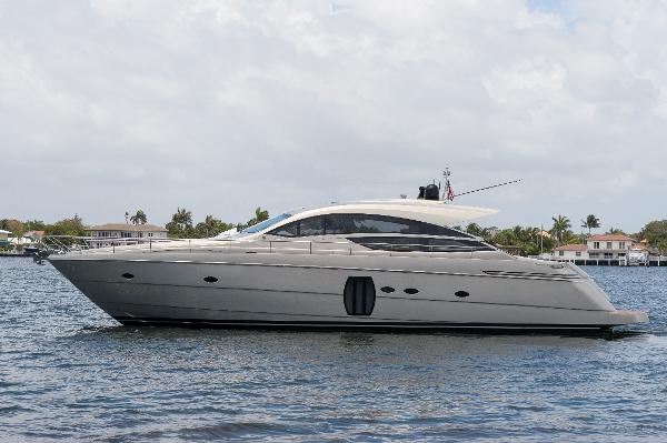 Pershing 64 2010 Pershing 64 - Profile