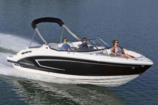 Chaparral 257 SSX Surf Manufacturer Provided Image