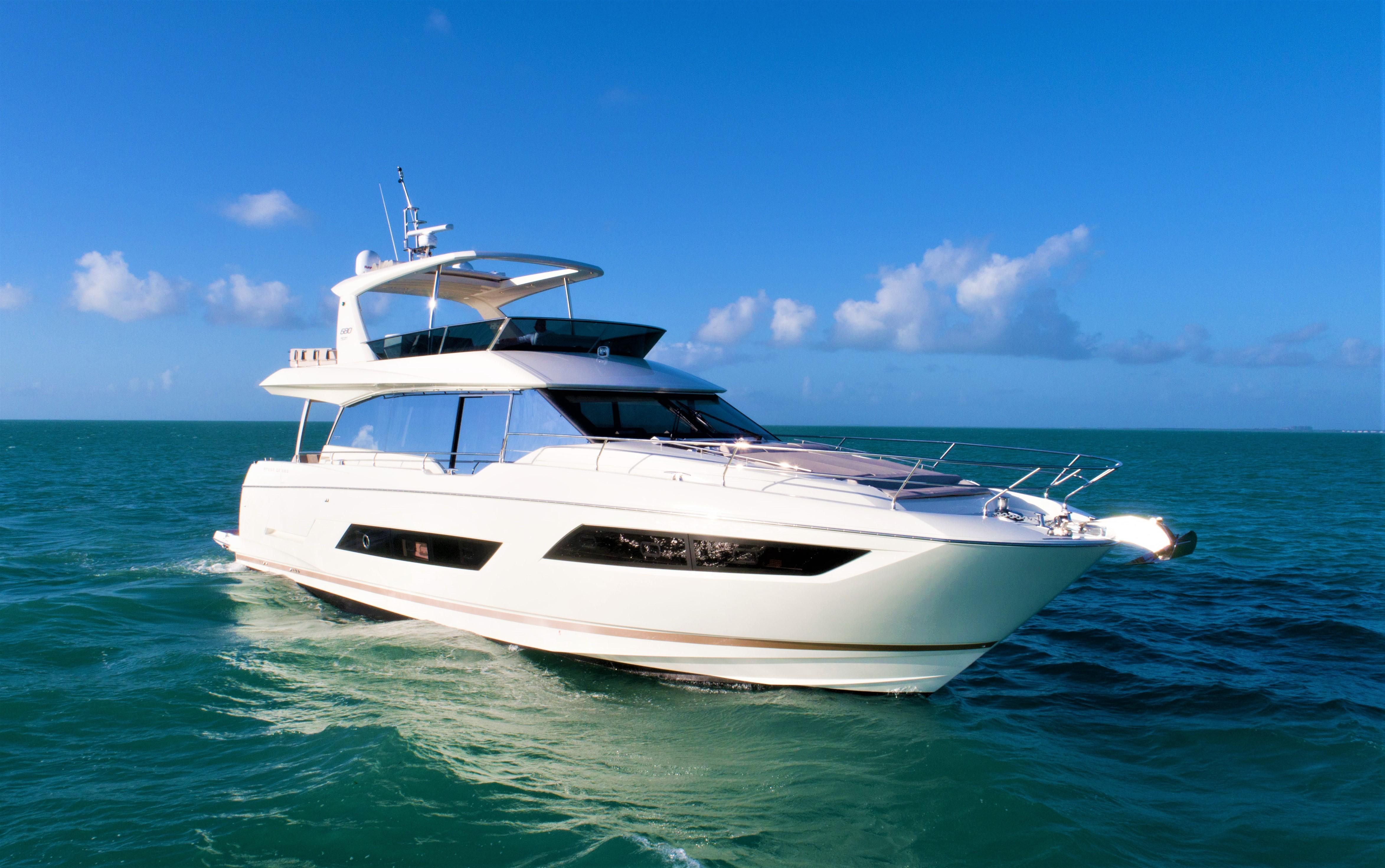 Prestige 680 Prestige 680 Yacht
