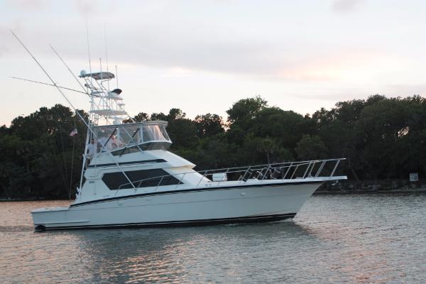 Hatteras Sportfish Convertible Side