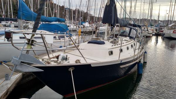 Pacific Seacraft 34 Port Profile