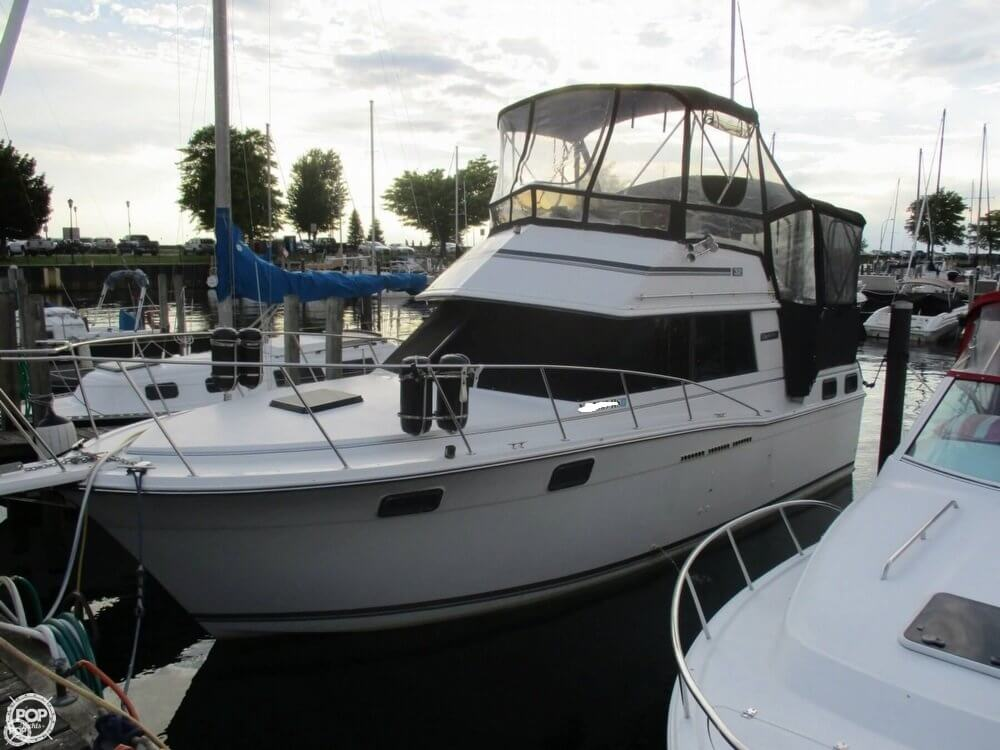 Carver 3207 Aft Cabin 1988 Carver 3207 Aft Cabin for sale in West Seneca, NY