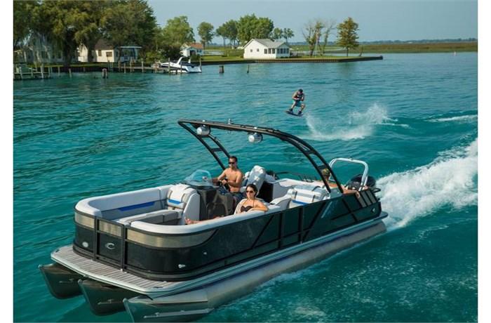 Crest Pontoon Boats Caliber 250 SLC