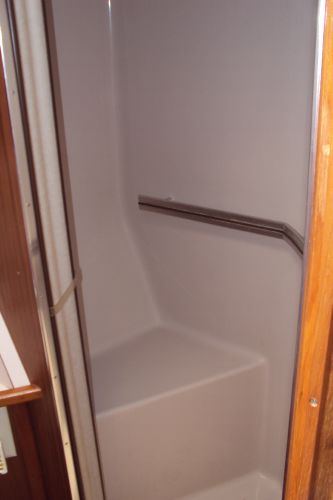Seperate Shower Stall