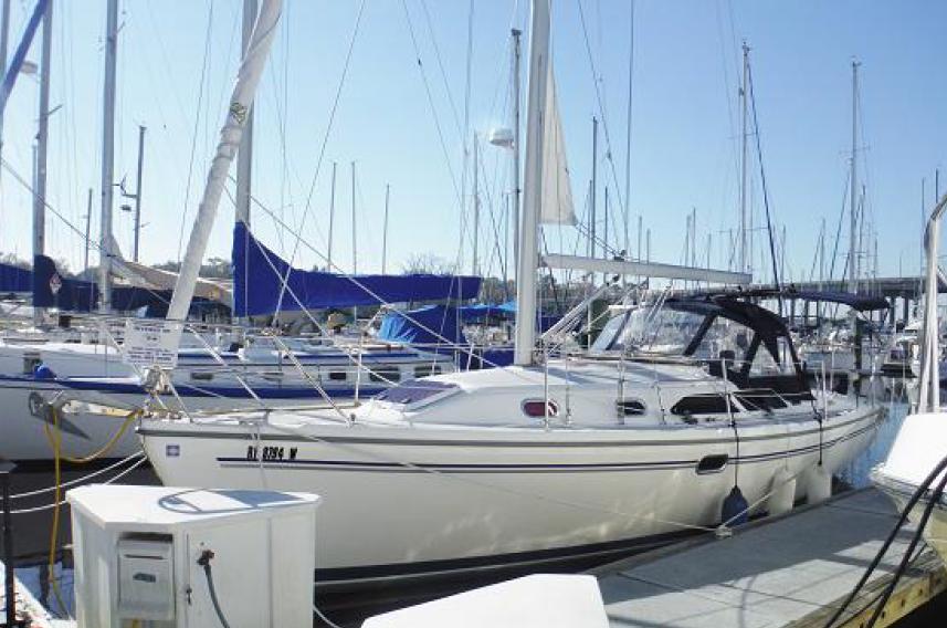 Catalina 310 At the dock