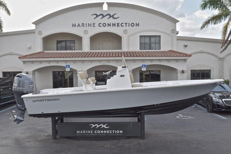 Sportsman Masters 227 Bay Boat
