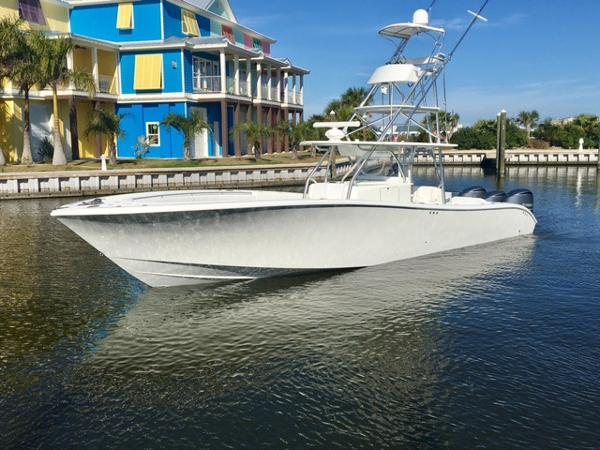 Yellowfin 42 Center Console Port Profile