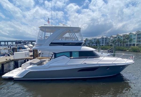Tiara Yachts 44 fly