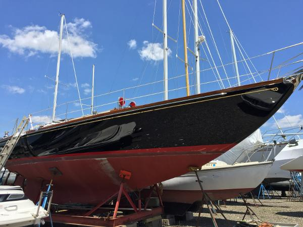 Hinckley Bermuda 40 MKIII Yawl