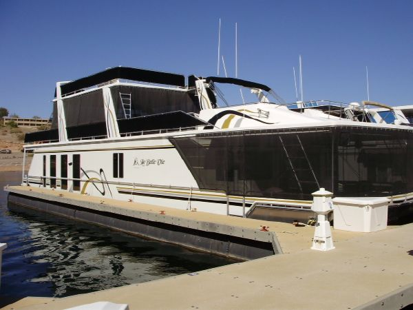 Fantasy Houseboat Houseboat