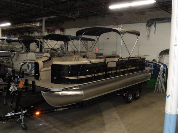 ENCORE Bentley 250 Party Cruise