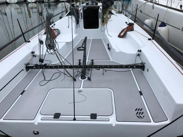 Mestral Marine Works MMW 33 TQ