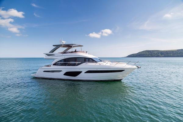 Princess Flybridge 62