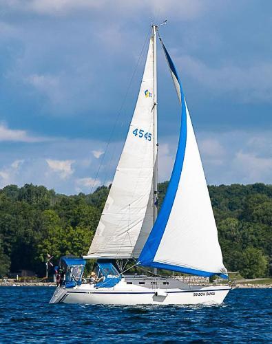 CS 30 Under sail