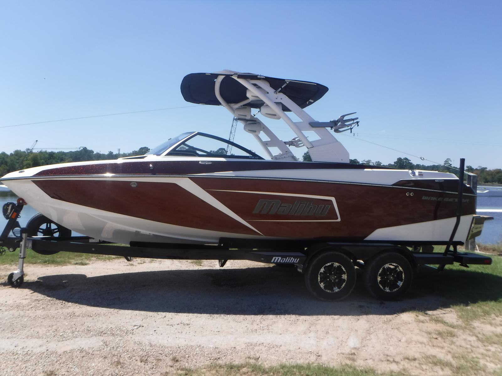 Malibu Boats LLC 23 LSV