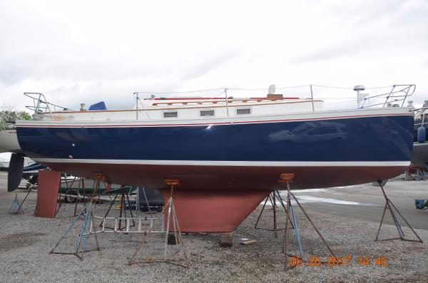 Hinterhoeller Nonsuch 30 New Arrival