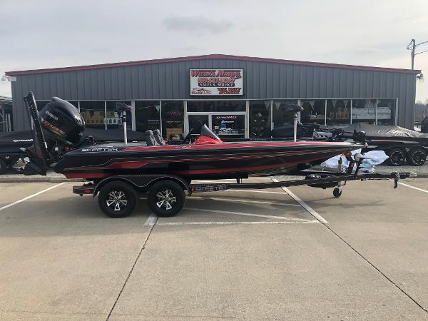 Skeeter ZX225 Color Option 2