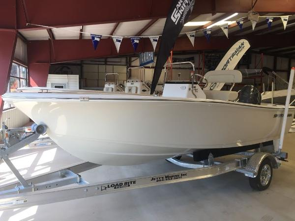 Sportsman Boats Island Reef 17