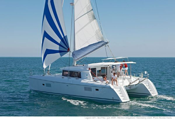 Lagoon 421 Manufacturer Provided Image: Lagoon 421 Sailing