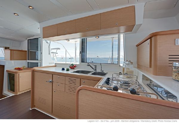 Lagoon 421 Galley
