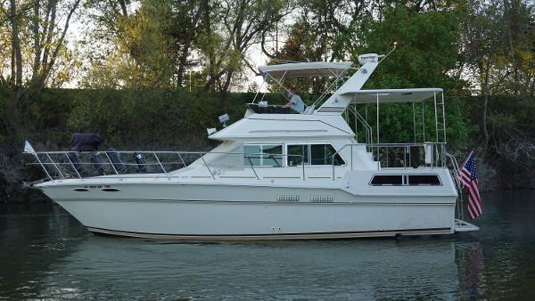 Sea Ray 360 Aft Cabin Port Side