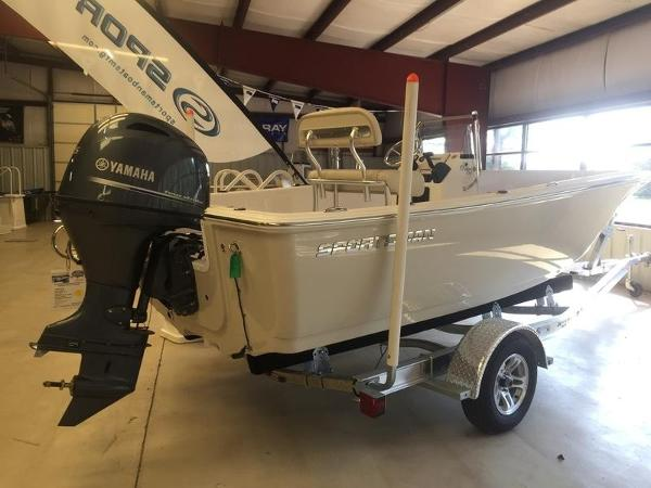 Sportsman Boats Island Reef 19