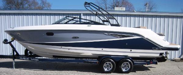 Sea Ray 280 SLX Bowrider